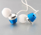 Earphone with three size silicone ear pad