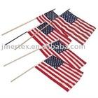 Bandera a la mano