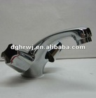 Zinc alloy bathroom tap