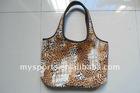 Neoprene shopping bag with handle