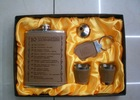Promotional customized stainless steel hip flask gift set