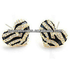 Fashion magnetic Heart enamel charms earrings with rhinestone for girl