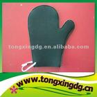 Neoprene oven gloves