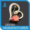 Wholesale brooches loving heart Shape with crystal brooch for wedding invitations