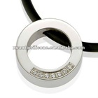 2012 fashion and healthy stainless steel bear pendant