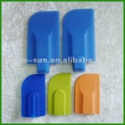NEW!!!2012 The hot selling eco-friendly silicone kitchen utensil scraper