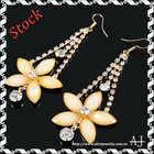 Fashion Charm Flower Cream Resin Crystal Dangle Chandelier Earrings AS0296