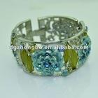 Fashionable roses bracelet