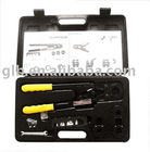 Manual crimping tool for PEX pipes