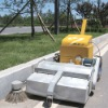 Self-traveling pavement road cleaning machine