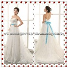 2013 Exclusive Design romantic lace wedding dress with a blue belt