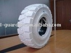 Non Marking Solid Tires (700-12)
