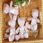 2012 Latest Fashion Design Small Red Flower Printed LOVE Bear Gift Set