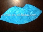 Disposable CPE/PE blue shoe cover by hand