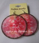 Pink round thread ear ring