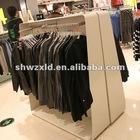 fashion wooden clothing display rack/clothing display shelf