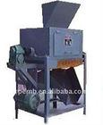 Dry material magnetic separator