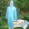 Keep you from rain anytime&anywhere-disposable PE raincoat