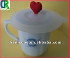 brililant ceramic coffee mug with silicone lid with tender leaf