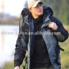 Winter Outdoor Breathable Hiking Jacket with Romovable Micro Fleece Liner