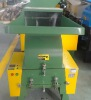 Plastic recycling crusher