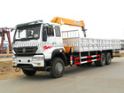 China Sinotruck 6*4 truck mounted crane