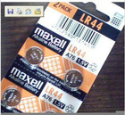 LR44 Maxell battery blister card package