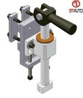 EOAT component bolster locking clamp