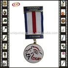 Medal With Ribbon Drape Bar Pin