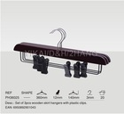 2011 new style mahogany wooden skirt hanger with black plastic clips