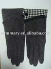 Houndstooth woolen golve with a small flower