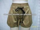 2012 fashion solid color pleats shorts