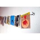 Wall photo hanger