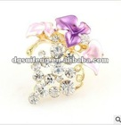 Purple Elegant Flowery Brooch With Competitive Price 2013