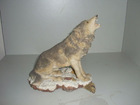 Lively resin / polyresin wolf statue