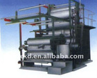 Textile squeezing drying machine