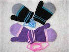 Children knitted gloves
